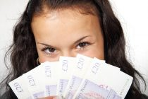 איך מגישים בקשה לקבלת החזרי מס?