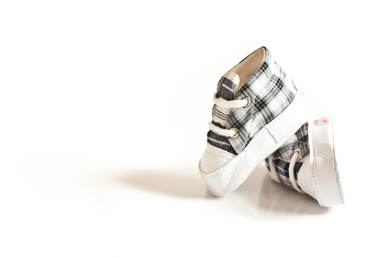 נעלי צעד ראשון לתינוק ראשית